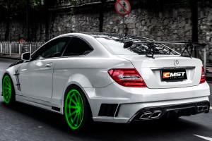 Mercedes-Benz-W204-A-eye